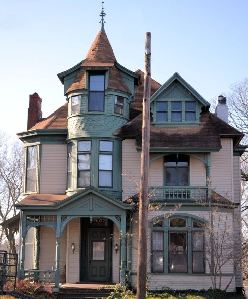 Beautiful 1890 Victorian house