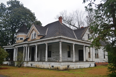 This beautiful house is one that we would have loved to see restored.