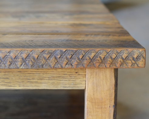 The circular sawn markings add character to the wood.