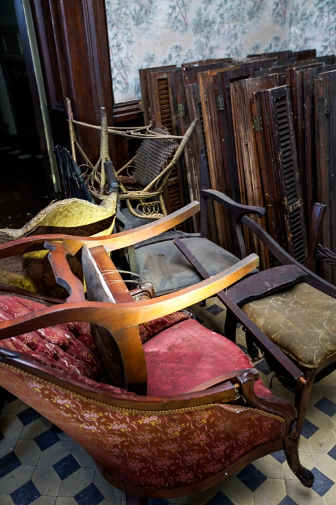 Even though these furniture pieces are not in the best condition, they can be restored or repurposed.